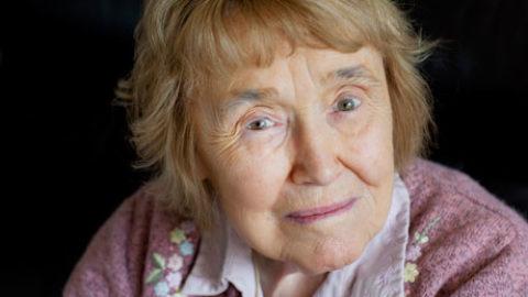 """Morta Lorna Wing, la psichiatra che ha sfatato il mito della """"madre frigorifero"""" e """"battezzato"""" la Sindrome di Asperger."""